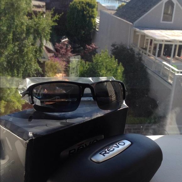 48f1ea2b70 Revo Abyss Sunglasses 66 10